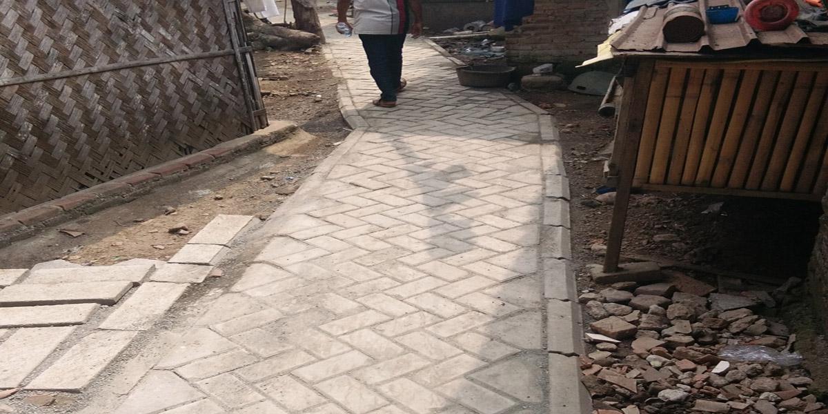 Pembangunan Jalan Desa : Paving Block 2017
